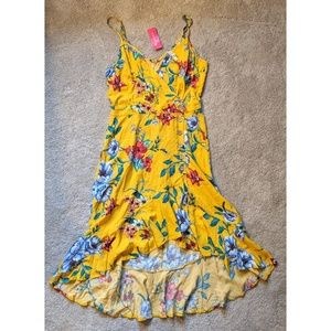 NWT Yellow floral dress w/ high low skirt